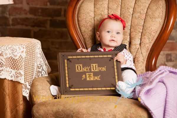תמונות של תינוקת מחופשת לדמויות מהאגדות