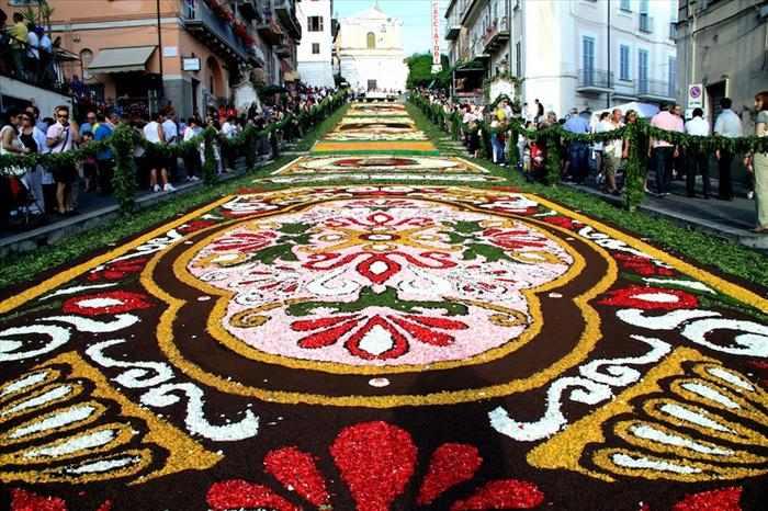 פסטיבל הפרחים של איטליה