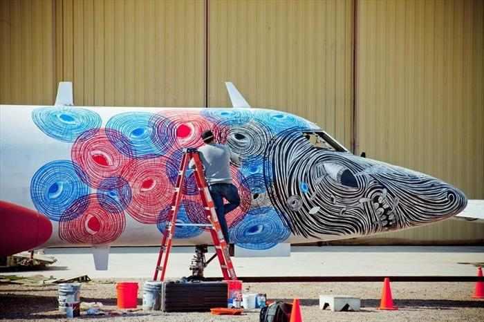 גרפיטי על מטוסים