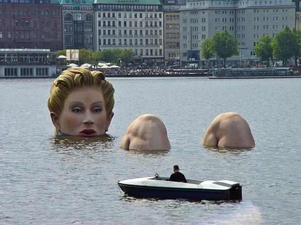 Estátuas loucas