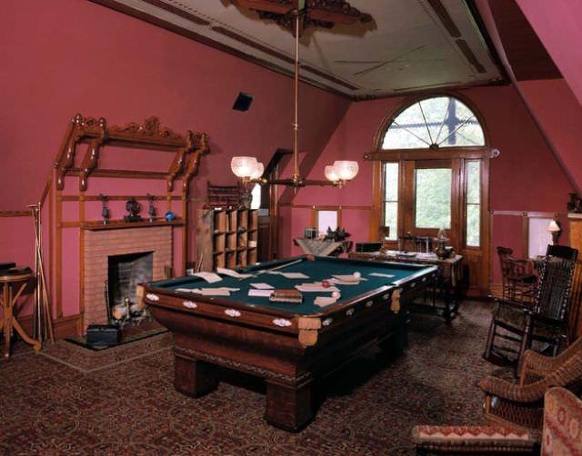 כך נראים החדרים של גדולי היוצרים