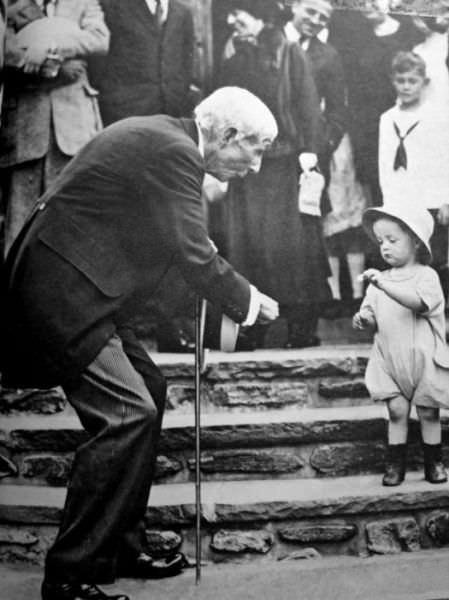 תמונות היסטוריות של מפורסמים ברגעים הפרטיים