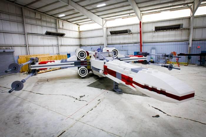 הדגם הכי גדול שנבנה מלגו הוא מטוס