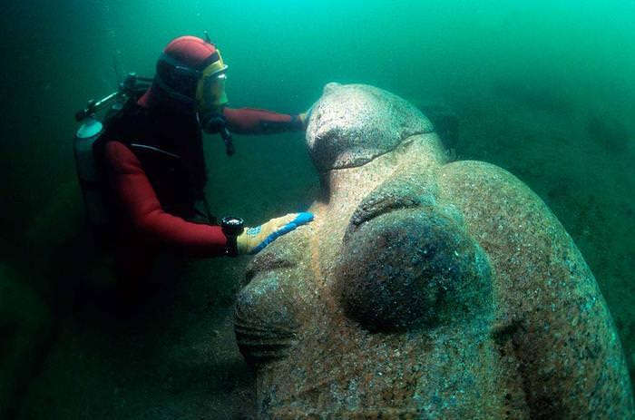 חשיפה של עיר מצרית תת ימית