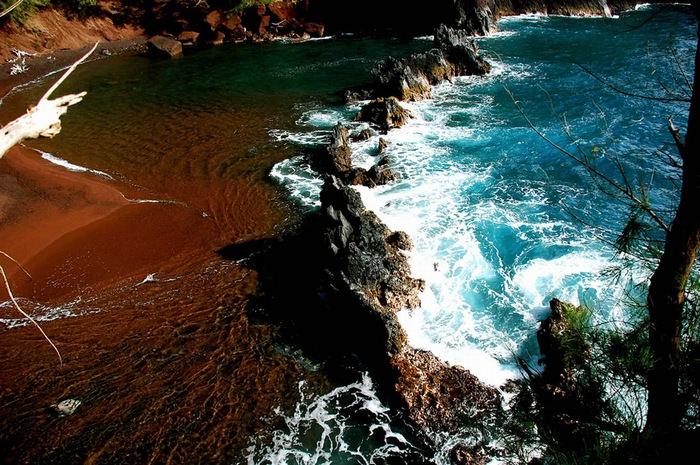 חוף צבעוני
