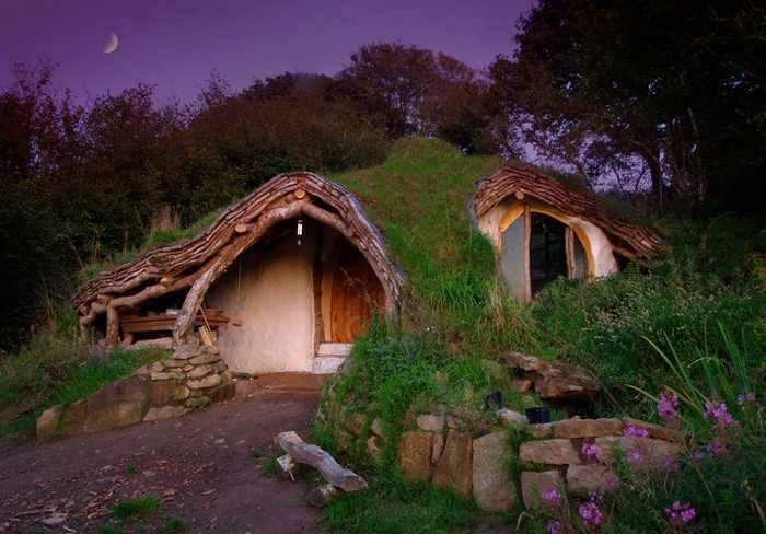 בתים מבודדים