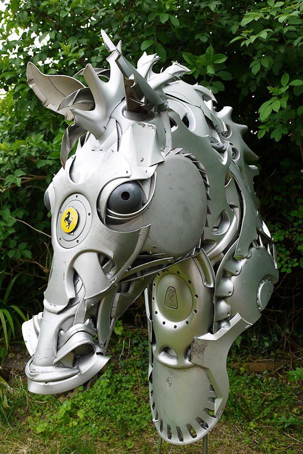 פסלי חיות ממוחזרים