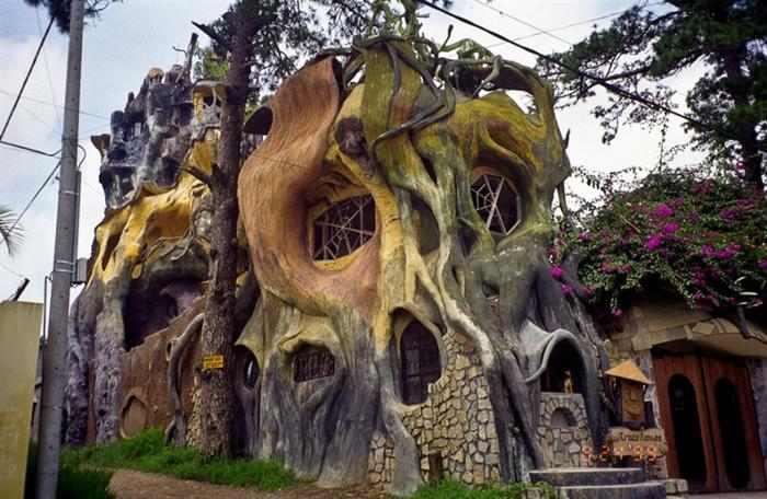 מבנים מוזרים
