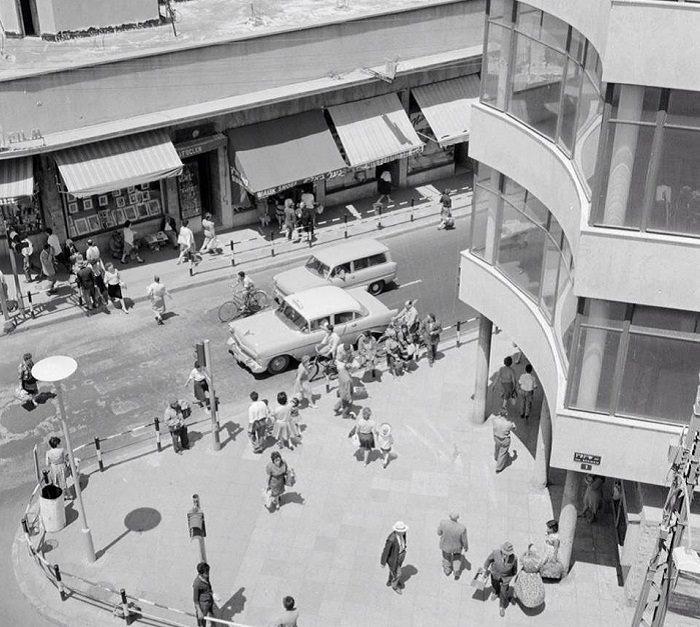 תל אביב הישנה: מבט על לרחוב המלך ג'ורג' פינת שינקין, תל אביב 1964