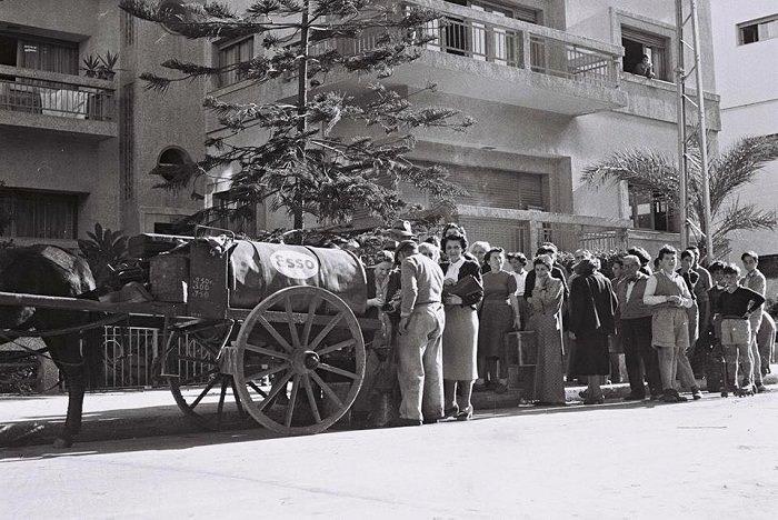 תל אביב הישנה: מוכר הנפט שנת 1952