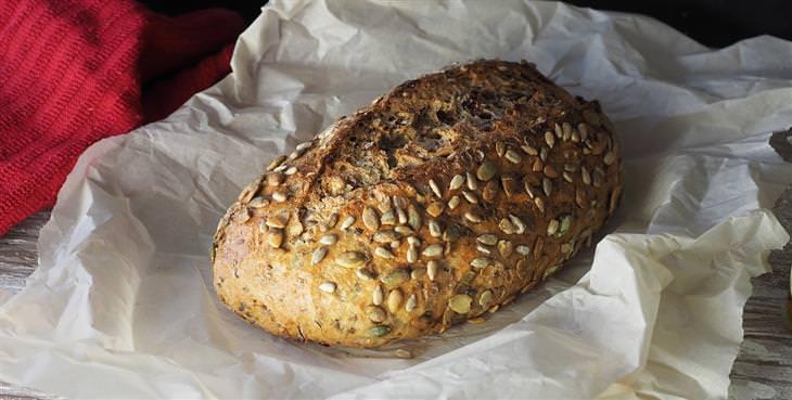 טיפים לצום קל ביום כיפור: לחם דגנים