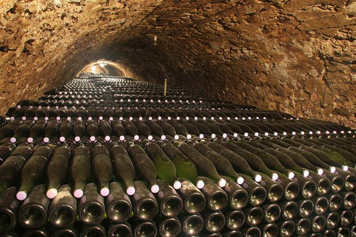 מערות השמפניה