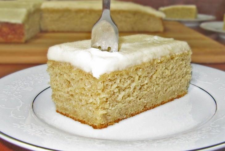 עוגת בננות עם ציפוי וניל