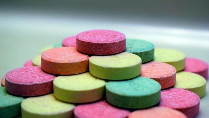 מחקר על תרופות נגד צרבת: ערימת תרופות נוגדות צרבת
