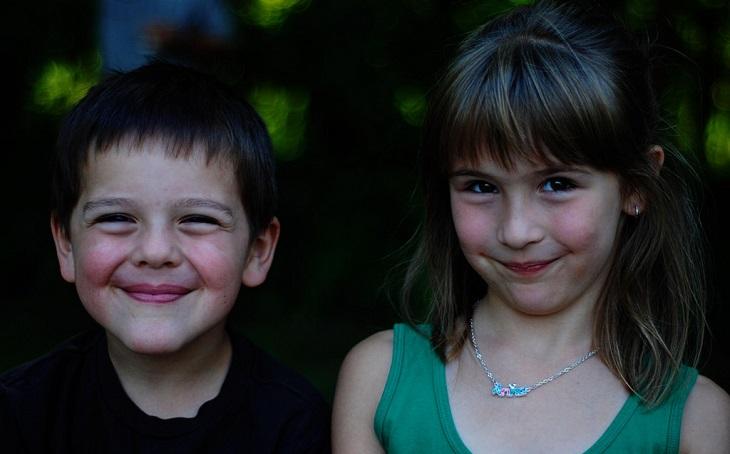 50 חוקי זהב להורות נכונה: שני ילדים