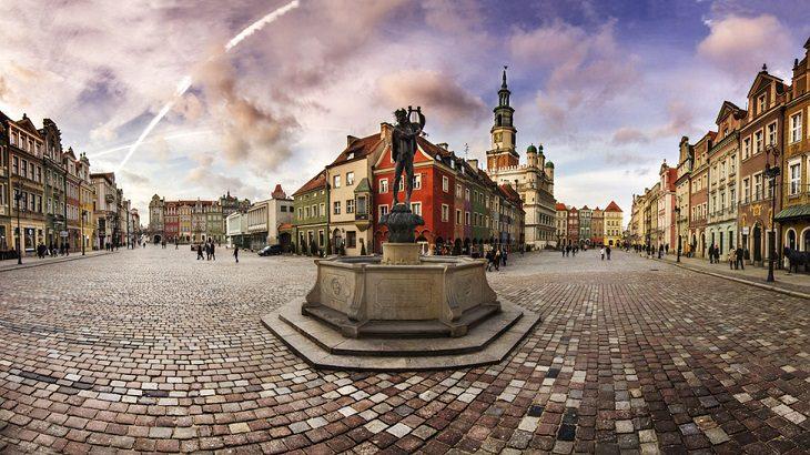 16 מנופיה המדהימים של פולין: הרובע העתיק של פוזנאן