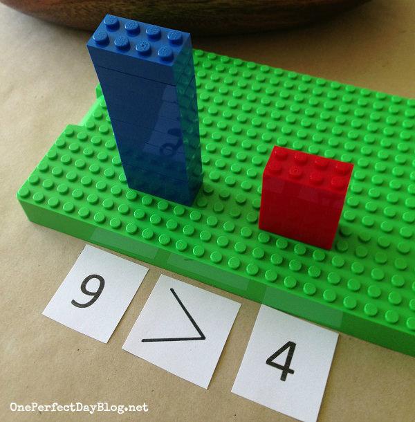 """פעילויות חינוכיות לילדים: משחק """"גדול, קטן ושווה"""" עם מגדלי לגו"""