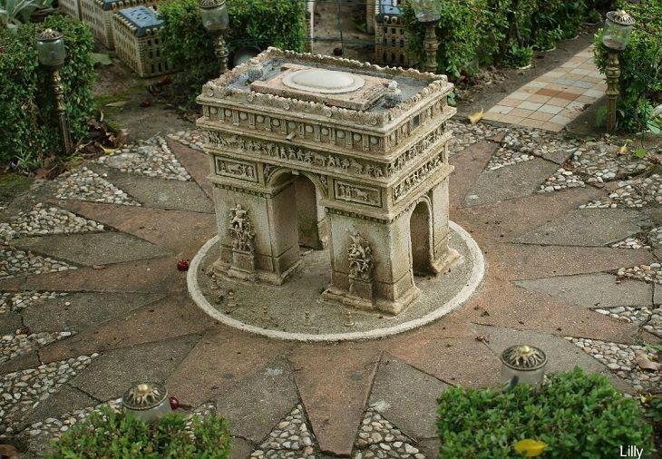 מודל מיניאטורי של פריז: דגם של שער הניצחון