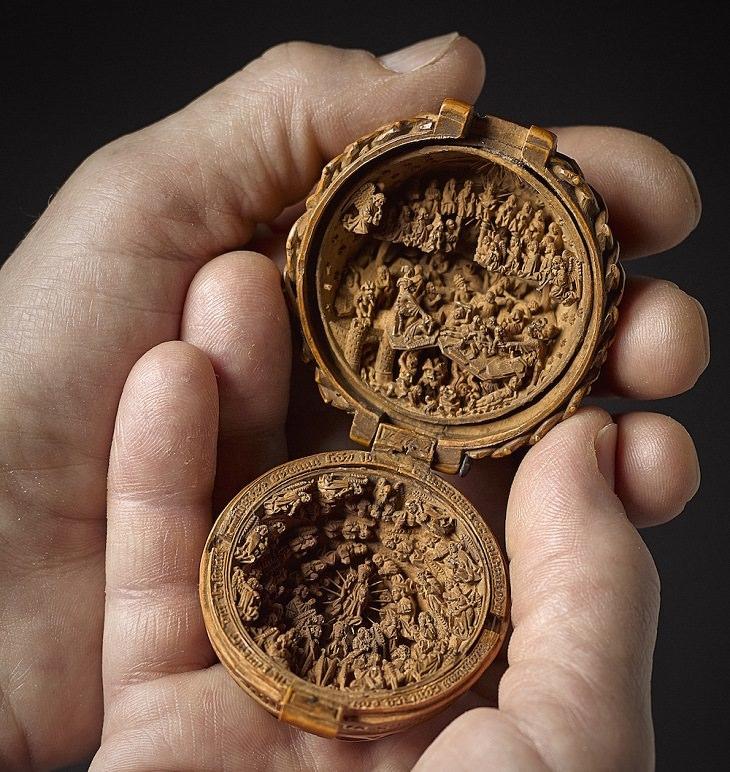 גילופים בעץ מהמאה ה-16