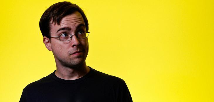 בדיחה: איש עם משקפיים