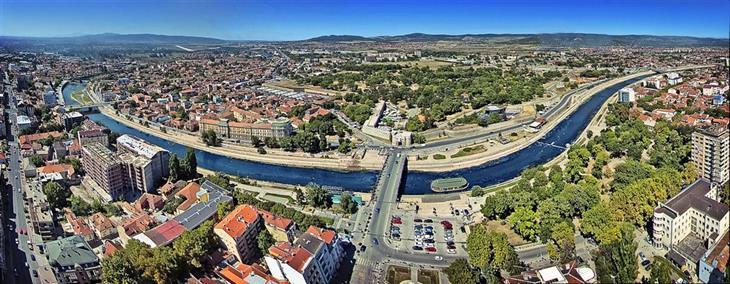 אתרים מומלצים בסרביה: נוף העיר ניס ממעל