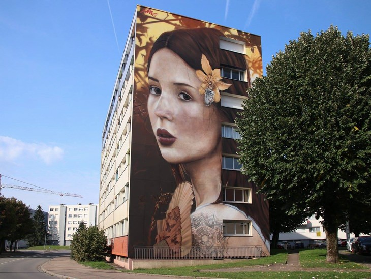 גרפיטי פרפרים ויצירות נוספות של אמן ציורי הקיר