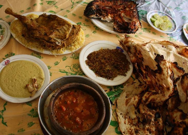 מתכונים מהמטבח התימני: שולחן ערוך עם מנות מהמטבח התימני