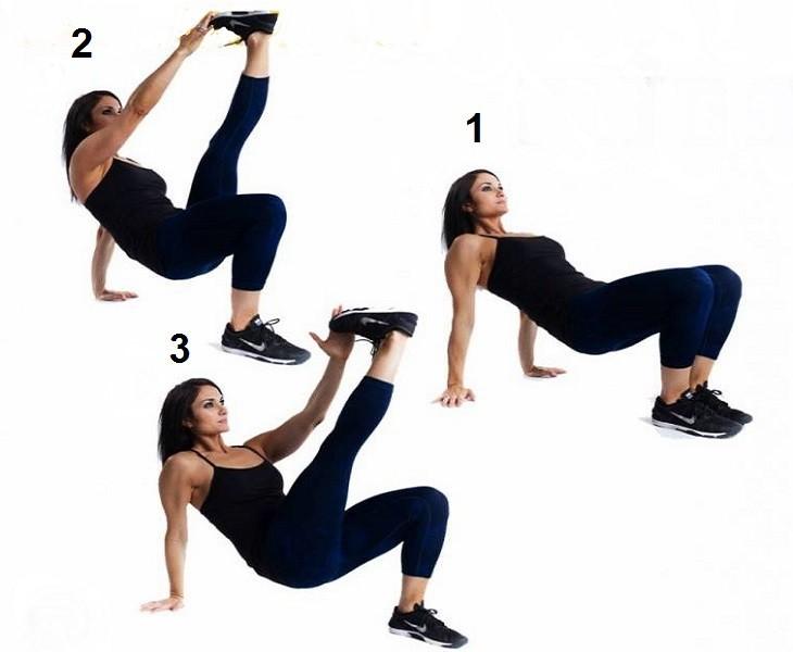 אימון של 20 דקות: אישה מבצעת מתיחות רגליים ונגיעה בכפותיהן