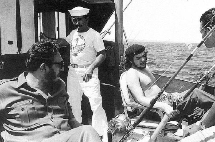 תמונות היסטוריות: צ'ה גווארה ופידל קסטרו בשייט משותף