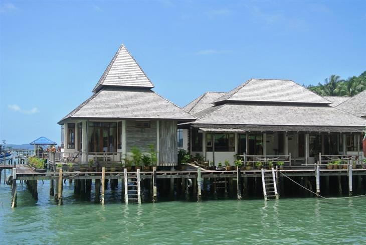 אתרים פחות מוכרים בתאילנד: אתר נופש על המים באי קו מאק