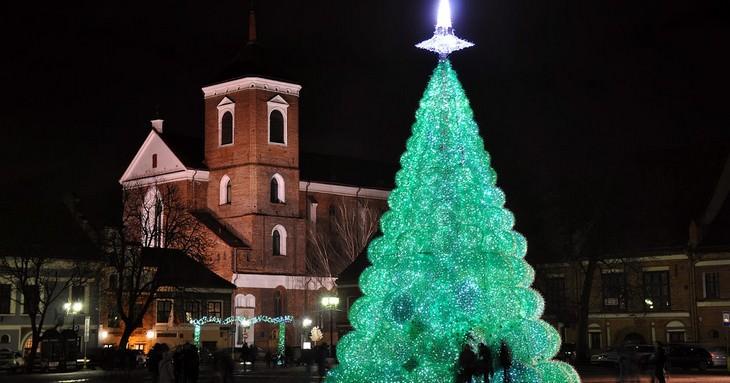 עצי חג מולד מיוחדים מסביב לעולם: