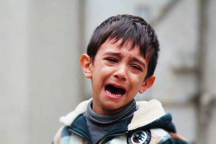 עצות הורות של סופר נני המקורית: ילד בוכה