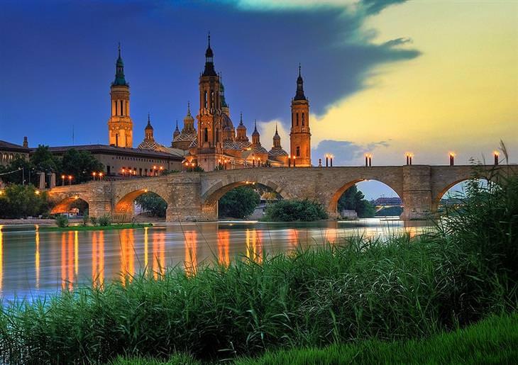 אתרים לא מוכרים ומומלצים בספרד: סרגוסה בלילה