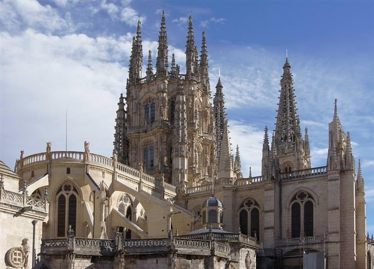 אתרים לא מוכרים ומומלצים בספרד: קתדרלת בורגוס
