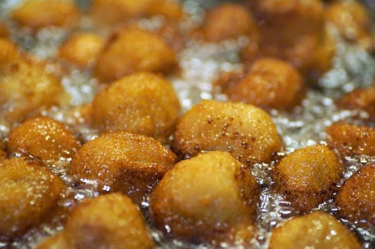 טיפים למטבח: קציצות בתוך שמן חם