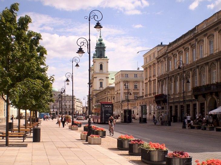 אטרקציות חובה בורשה: רחוב קרקובסקה פשדמיישצ'ה