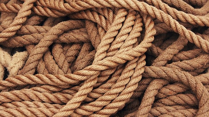 התמודדות עם חרדה: חבלים קשורים