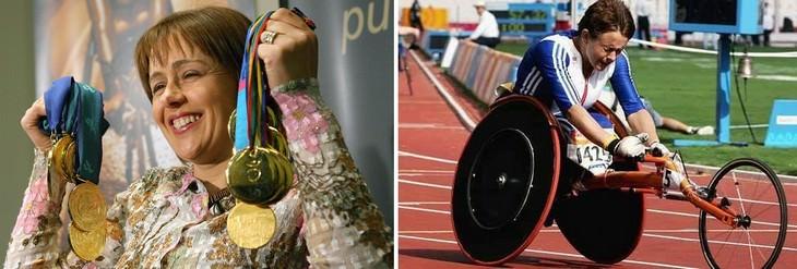 אנשים בעלי מוגבלות שהגיעו להישגים מדהימים: טאני גריי תומפסון רוכבת על אופניים ואוחזת במדליות זהב