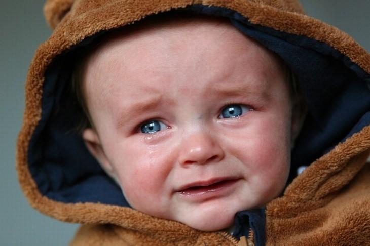 תינוק בוכה