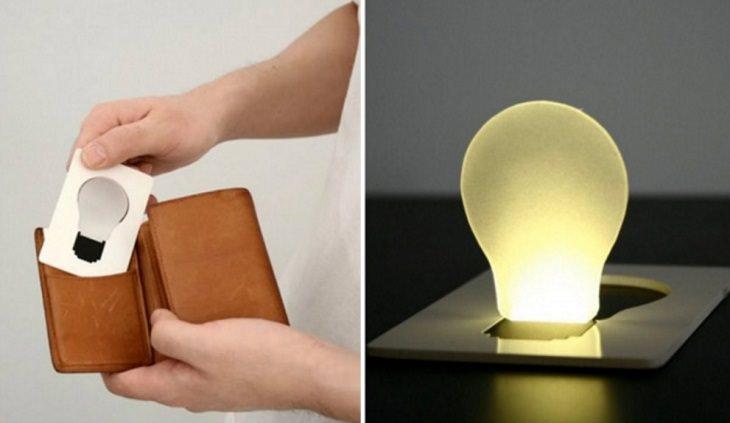 מנורה שטוחה בצורת כרטיס
