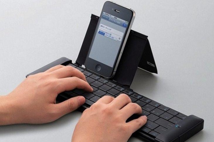 מקלדת עם חיבור לטלפון נייד