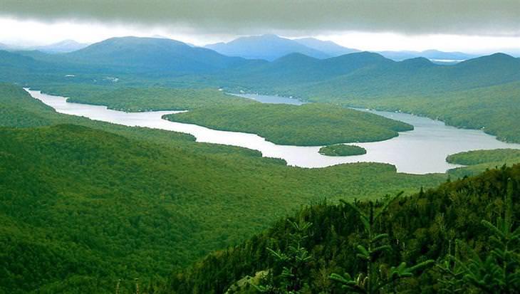 אתרי טיולים במדינת ניו יורק: אגם פלסיד