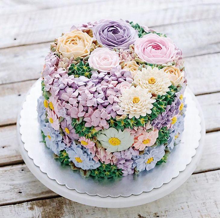 עוגות בעיצוב פרחוני