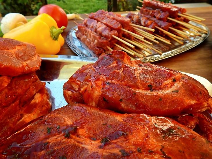 מתכונים לעל האש: בשר מצופה במרינדה