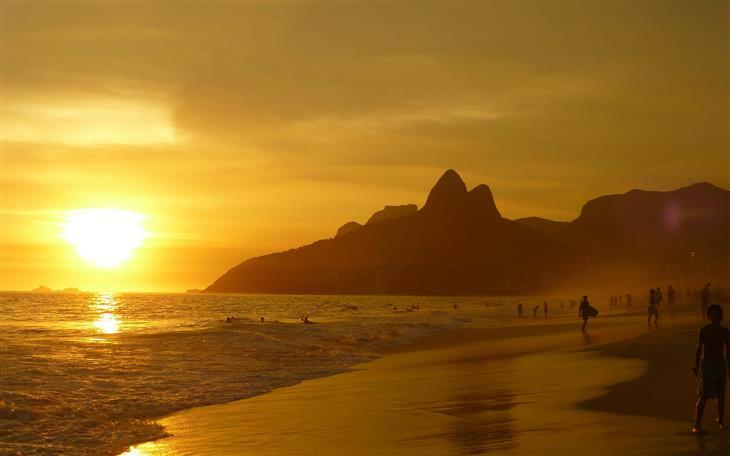 שקיעה בחופי ריו דה ז'ניירו, ברזיל
