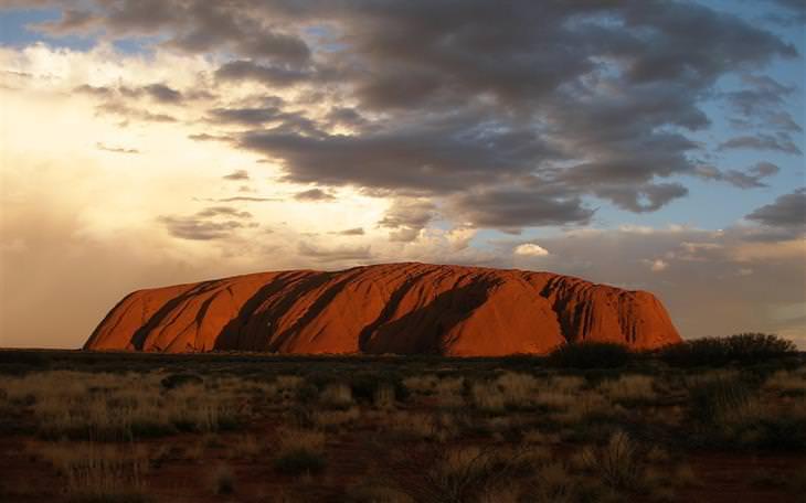 שקיעה באולורו, אוסטרליה