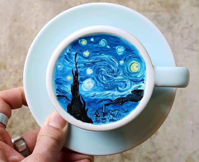 ציורים מדהימים בכוס קפה