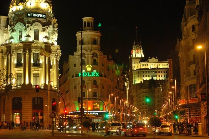 אתרים מומלצים במדריד: גראן ויה בלילה