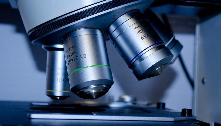 מניעת גלאוקומה: מיקרוסקופ