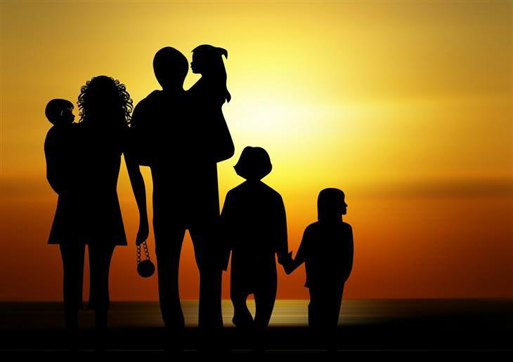 צללית של משפחה